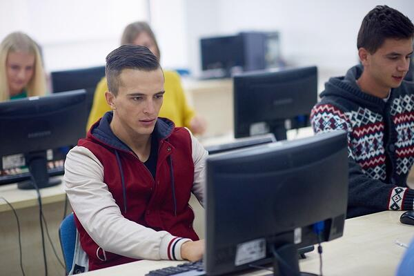 Independent student learning helps with classroom management problems